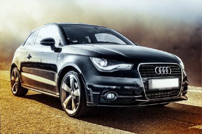 Musta Audi